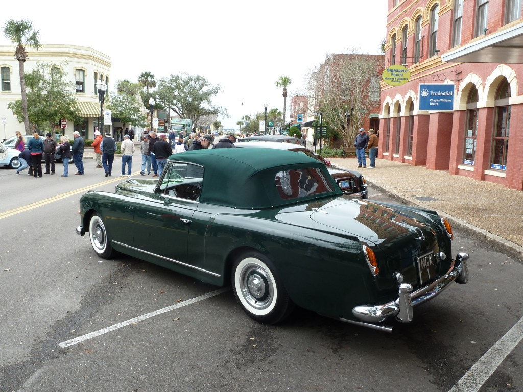 This fabulous Graber (Swiss) bodied Bentley cab really attracted me.  Elegance in every line
