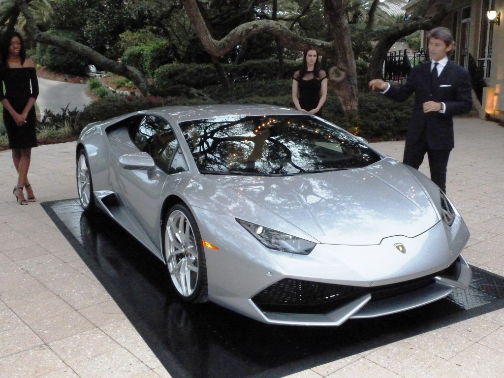 And there it is...the new Lamborghini Huracán, named of course, after a famous fighting bull
