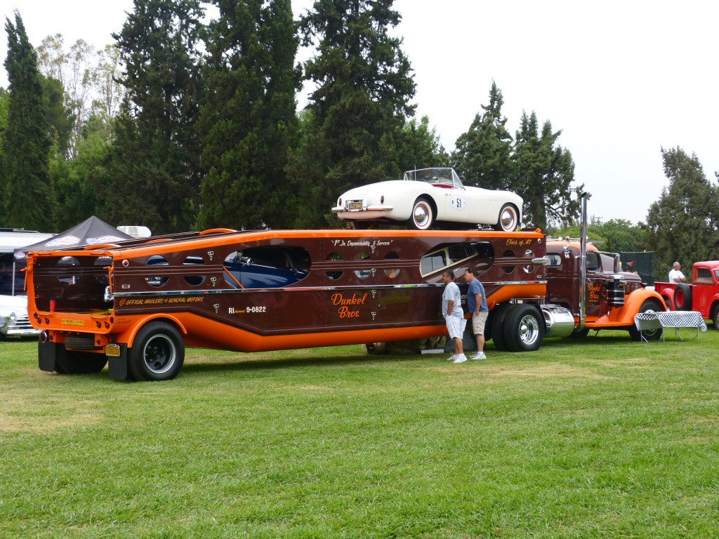 Another favorite that always drives this crown crazy is the Dunkel Brothers' art deco and Pebble Beach quality GMC tow hauler, packed full of vintage Nashes