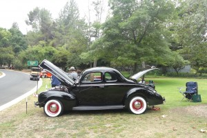 This mildly rodded, gently raked '40 Ford cut a perfect profile with its great shape and stance.